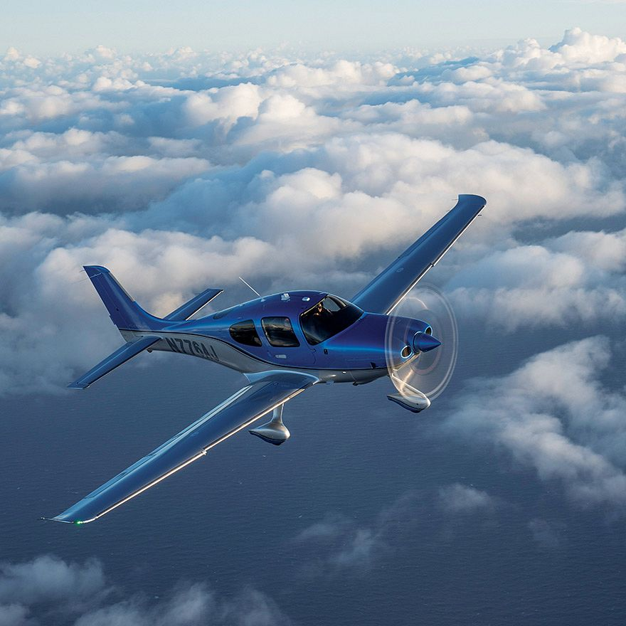 A premium digital showroom for Cirrus Aircraft that brings the thrill of personal aviation down to earth